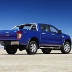 Der neue Ford Ranger in der Seiten - Heckansicht (Standaufnahme)