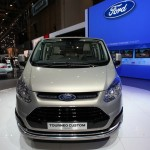 Die Frontansicht des neuen Ford Transit Tourneo Custom