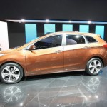 Der Hyundai i30cw in der Seitenansicht