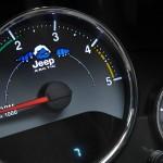 Der Tachometer des Jeep Wrangler Arctic