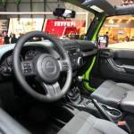 Das Cockpit des Jeep Wrangler Mountain