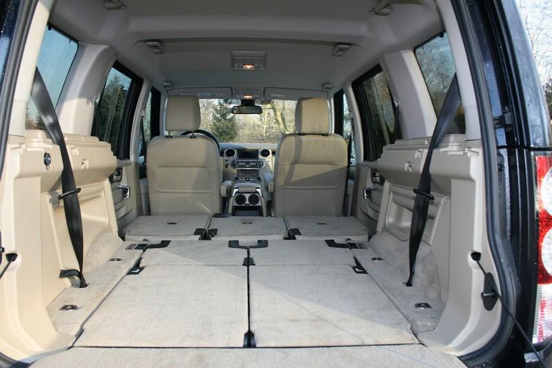 Die Ladefläche des Land Rover Discovery 3.0 TDV6 SE