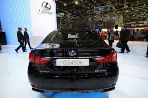Das Heck des neuen Lexus GS 450h