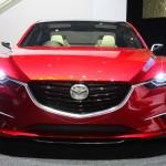 Die Frontansicht des Konzeptfahrzeugs Mazda Takeri