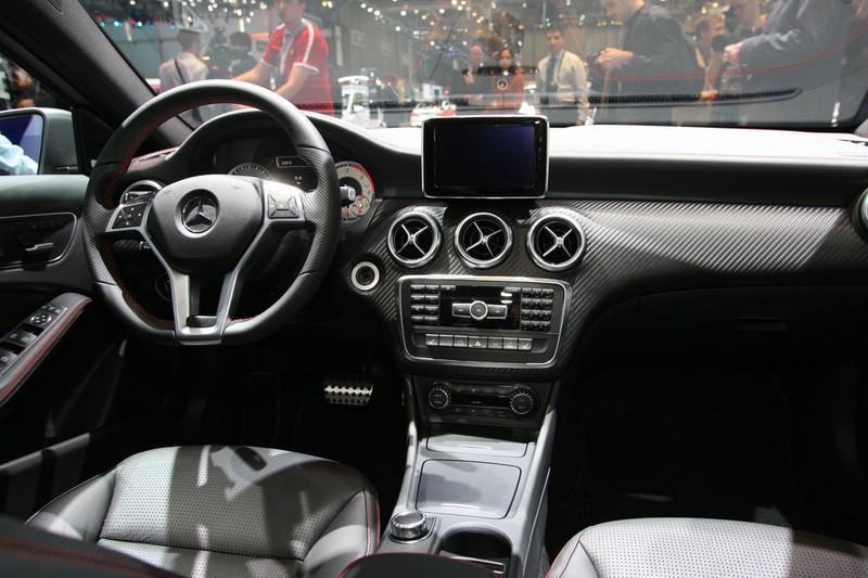 http://www.autosmotor.de/wp-content/uploads/2012/03/Mercedes-Benz-A-Klasse-Interieur.jpg