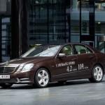 Der Mercedes-Benz E 300 Blue Tec Hybrid soll 4,2 Liter auf 100 Kilometer verbrauchen