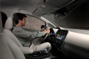 Der Innenraum des Elektroautos Nissan Leaf