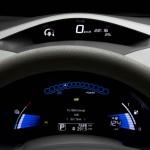 Der Tachometer des Elektroautos Nissan Leaf