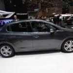 Die Seitenpartie des neuen Peugeot 208 - Messe Genf 2012