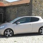 Der neue Peugeot 208 in der Seitenansicht (Dreitürer)