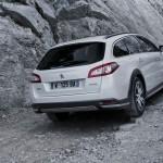 Peugeot 508 RXH mit der Hybrid4-Technologie in der Heckansicht