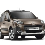 Neuer Peugeot Partner Tepee geänderter Frontpartie