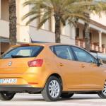 Der neue SEAT Ibiza in der Seitenansicht (Farbe Orange)