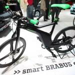 Das Smart Brabus E-Bike hat eine Höchstgeschwindigkeit von 45 km/h und soll Ende 2012 auf den Markt kommen.