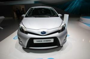 Die Frontpartie des Toyota Yaris Hybrid