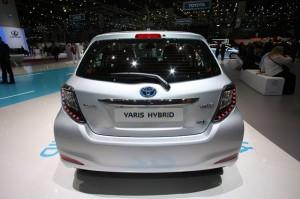 Das Heck des neuen Toyota Yaris Hybrid