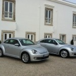 Der Volkswagen Beetle 2012 in Silber-Lackierung in Doppelpack