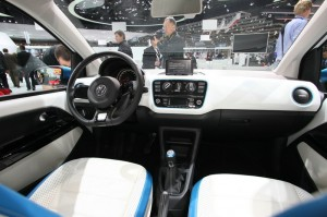 Der Volkswagen Winter Up auf der Automesse in genf