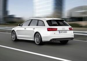 Die Heckansicht des neuen Audi S6 Avant