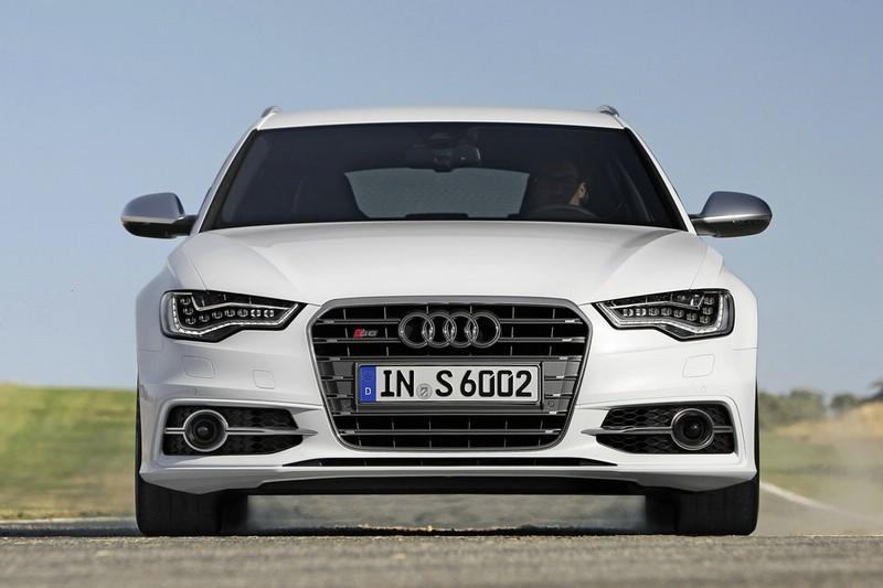 Die Frontpartie des Audi S6 Avant 2012