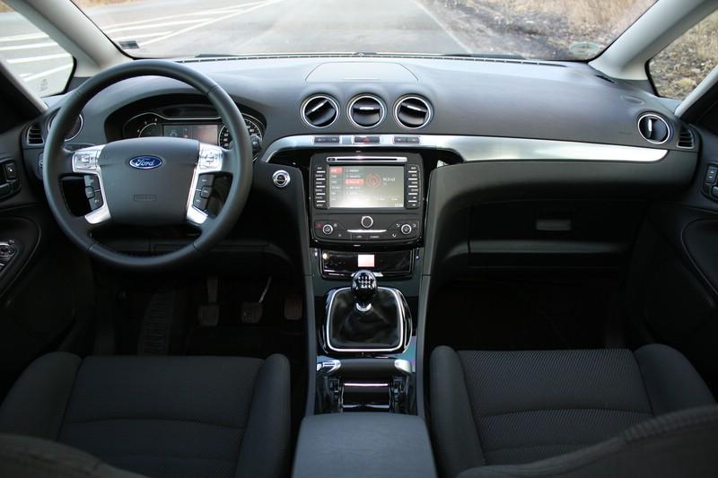 Das Armaturenbrett Des Ford S Max