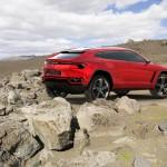 Der Lamborghini Urus in der Seiten- Heckansicht