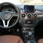 Cockpit des Mercedes-Benz B 200 CDI