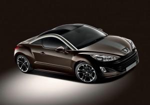 Peugeot RCZ Brownstone in der Front - Seitenansicht
