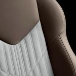 Die Sportsitze des Sondermodells Peugeot RCZ Brownstone