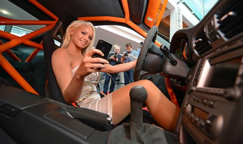 Gewindefahrwerk im Porsche hört aufs iPhone