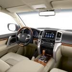 Interieur, Innenraum, Mittelkonsole des Toyota Land Cruiser V8 2012