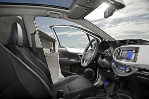 Das Interieur des Toyota Yaris Hybrid