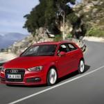 Audi A3 8V in Rot (Fahraufnahme)