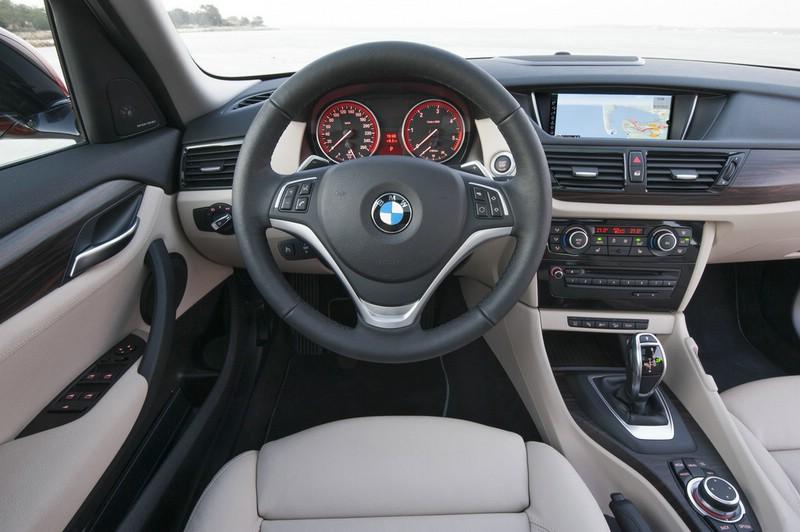 Cockpit des neuen BMW X1
