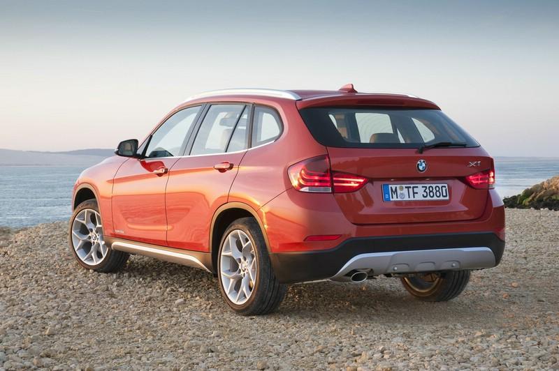 Der neue BMW X1 in der Heckansicht