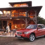 BMWs Kompakt-SUV X1 in der Front- Seitenansicht