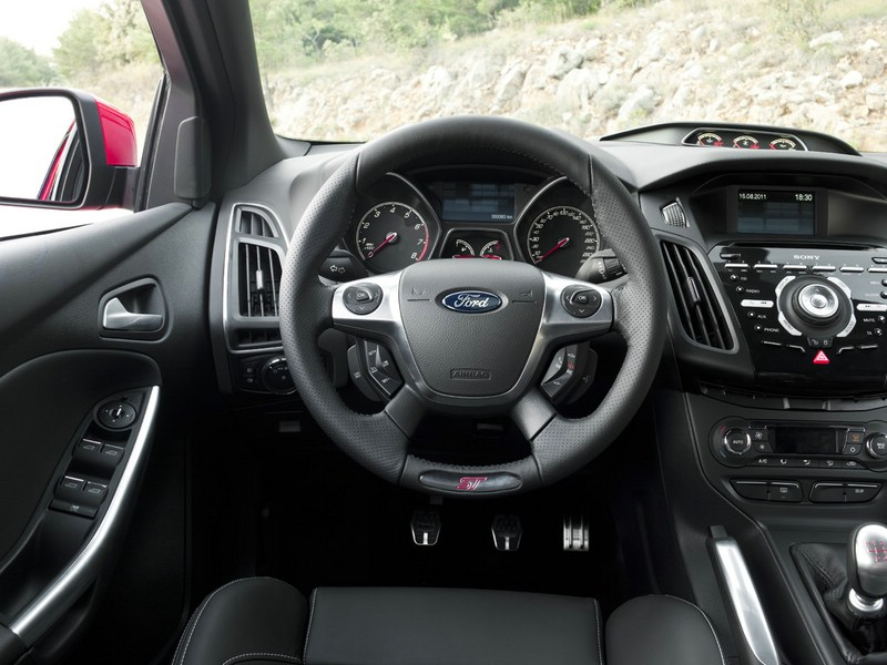 Das Cockpit des Ford Focus ST Turnier