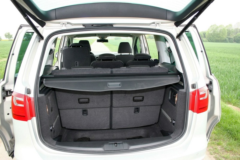 galerie seat alhambra 2 0 tdi kofferraum bilder und fotos. Black Bedroom Furniture Sets. Home Design Ideas