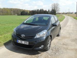 Toyota Yaris Diesel in schwarz