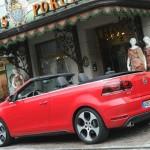 Das neue Golf GTI Cabriolet in der Seitenansicht