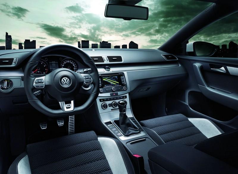 Galerie: Volkswagen Passat R-Line Interieur | Bilder und Fotos