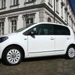 Volkswagen Up mit vier Türen in der Seitenansicht