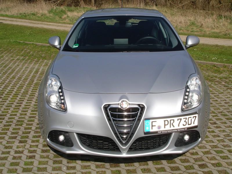 Frontansicht des Alfa Romeo Giulietta 2.0 JTDM Turismo