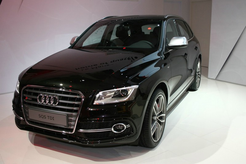 Audi SQ5 in Pantherschwarz