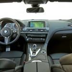 Das Armaturenbrett des BMW M6 Coupe
