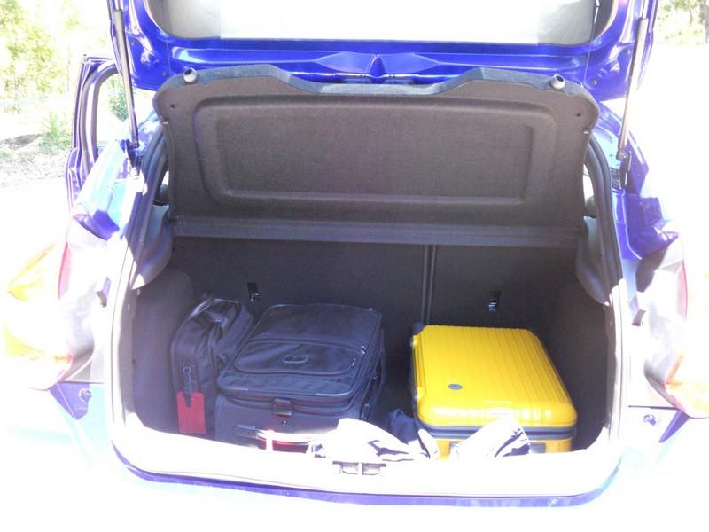 Der Kofferraum des fünftürigen Ford Focus ST
