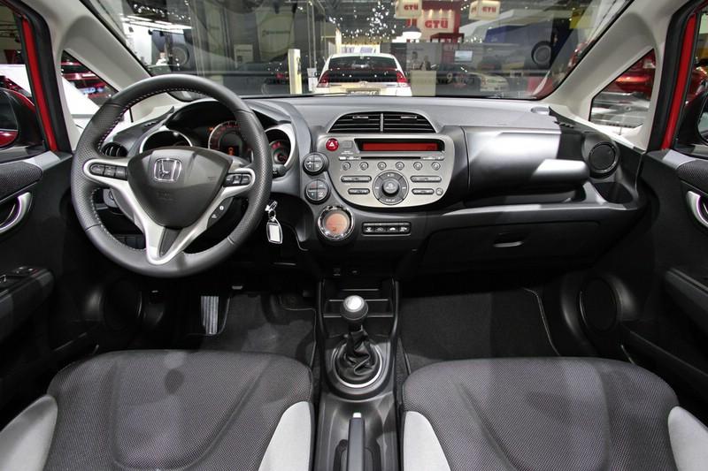 Scelta Jazz - Appeal bianca o SI Alabaster Grey Honda-Jazz-1.4-Si-Innenraum