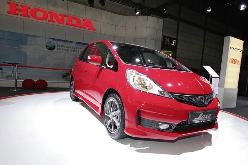 Honda Jazz 1.4 Si in Rot auf der Automesse