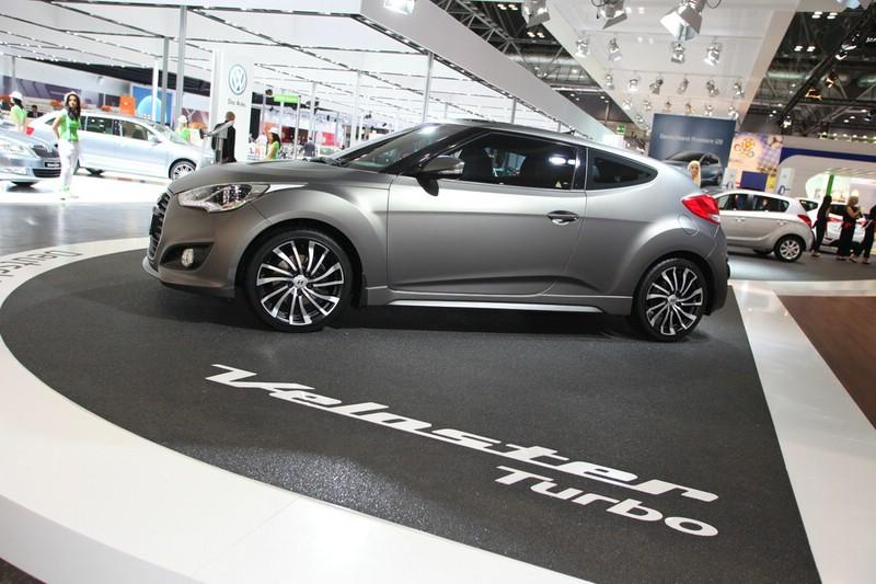Hyundai Veloster Turbo in der Seitenansicht