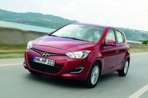 2012-er Hyundai i20 in Rot
